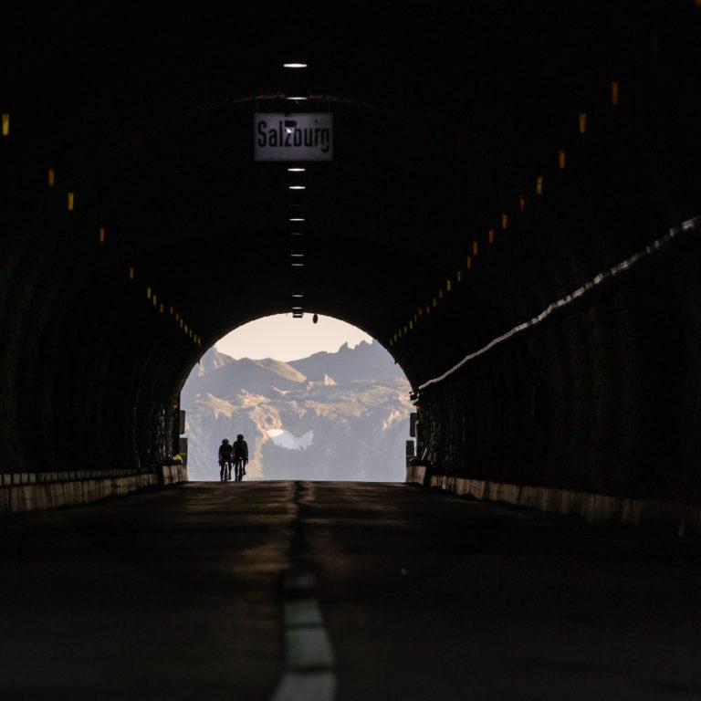 Tunnel mir Radfahrer